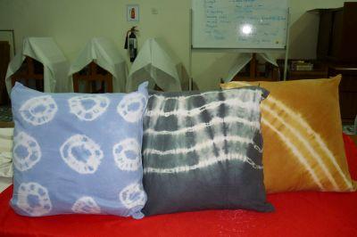 tie&dye cushion